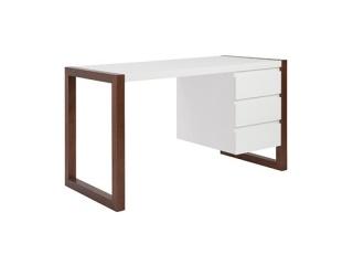 manon-desk