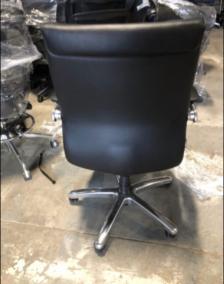madison-mid-back-leather-conference-chairs