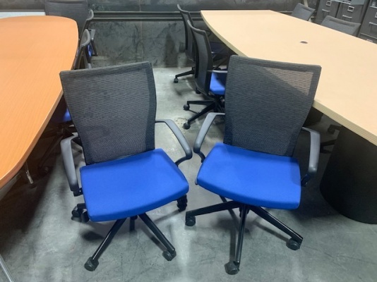 X99 Training Room Chairs with Blue Seat