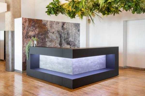 Monochrom Collection Reception Desks